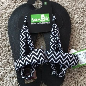 New Sanuk Yoga Sling Sandals